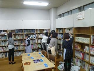 2016保護者ボランティア図書室③.jpg